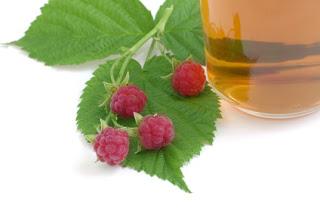 Red raspberry leaf tea for labor